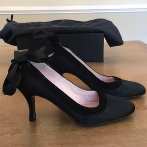 Ted Baker black pump with bow tie